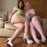 お下品な肉付き!ムチぽちゃ杏美月と金髪豊満美女マリアのミニスカから見えるぶっ太い太腿と爆尻!