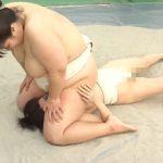 女相撲部屋にムチムチ豊満ボディの新人が入ってきた!えげつないデブボディで肉弾圧迫レズプレイ!