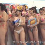人気巨乳女優20人の水泳大会!マイクロビキニ姿で真剣勝負!
