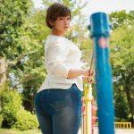 105センチの爆乳に115センチの爆尻なのに顔が小っちゃいグラマラスボディの現役女子大生藤沢麗央AVデビュー!